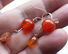 FIREY ORANGE AGATE EARRING W / STERLING SILVER CAST