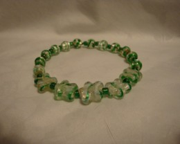 GREEN FOILED GLASS STRETCH  BRACELET