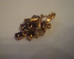 AMETHYST CABACHONS SET IN GOLD TONED PENDANT
