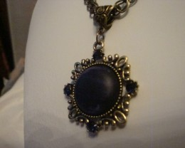 DARK NAVY BLUE PENDANT WITH CRYSTALS NECKLACE