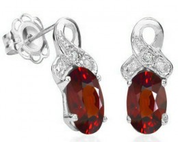 LOVELY 1.10 CT GARNET & 2PCS GENUINE DIAMOND PLATINUM OVER sterling
