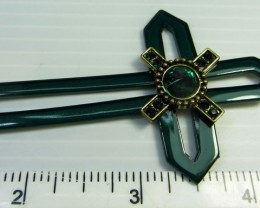 GREEN STONE IN CROSS LONG FASHION STYLE NECKLACE QT 476