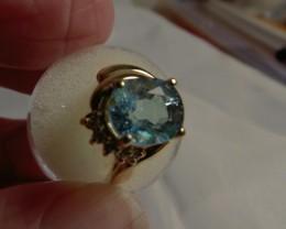 Aquamarine and Diamonds set into 14Kt Gold Ring