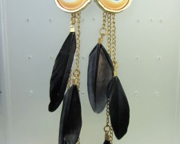 THE EYE BLACK FEATHER EARRINGS QT 342