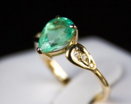 2.24 ct emerald gold ring with diamonds. Free shipping.