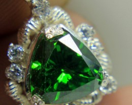 Wow Very Beautiful Hand Made Peridot Color CZ Zirconia in 925 Silver.