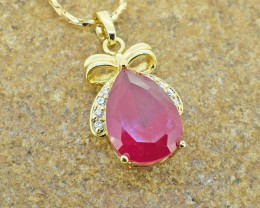 Ruby simulant Goldfilled Pendant
