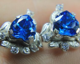 Wow Very Beautiful Hand Made Ear Ring of Blue CZ Zircon In 925 Silver.