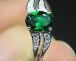 Wow Very BeautifulGreen CZ Zirconia Ring For Teenage.
