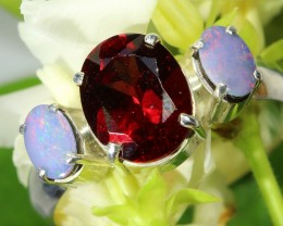 NATURAL GARNET AND DOUBLET L OPAL RING SIZE 9  S OJ  6493