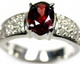 BEAUTIFUL GENUINE GARNET STONE RING SIZE 8 RA774