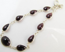 Beautiful natural Garnet NBracelet MJA 1179