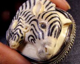 CARVING MAMMOTH IN SILVER PENDANT/BROOCH 133 CTS RT 509