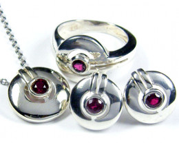 GARNET STERING SILVER SET RING ,PENDANT EARRINGS AJA15