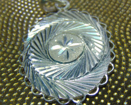 Crafted solid purity silver pendent 23.85cts