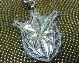 Crafted solid  silver pendent necklace 85.25cts