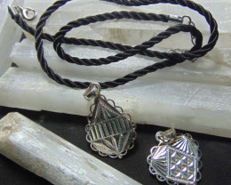 Mix size Crafted solid  silver pendent  27.30 cts