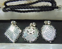 mixed size Crafted solid  silver pendent3 pcs 42.20cts