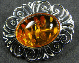 TRADITIONAL BALTIC AMBER BROOCH MYG 328