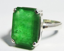 Emerald Like Gemstone in Silver Ring size 8 JGG 135
