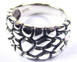 POPULAR STYLISH SILVER RING SIZE 7.5 GRR 138