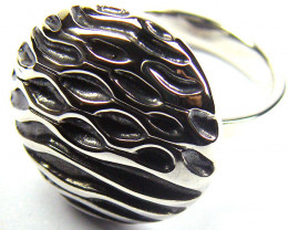 POPULAR STYLISH SILVER RING SIZE 8 GRR 134