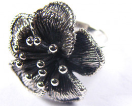 POPULAR STYLISH FLOWER SILVER RING SIZE 9.6GRR 135