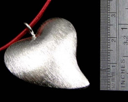 THAI HILL TRIBE SILVER HEART PENDANT 45 CARATS GGR 104