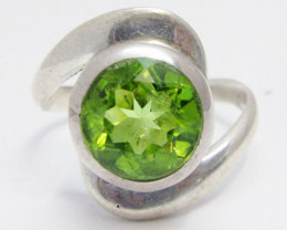 Peridot Gemstone set in silver ring size 9.5 MJA 680