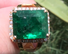 Swat Valley Emerald 8.96ct with Natural Diamonds, 21ct Solid Gold Ring, GIA