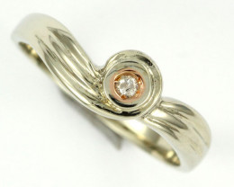 AUSTRALIAN DIAMOND .05 WHITE 18K GOLD RING SIZE 7 OP1816