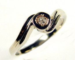 AUSTRALIAN DIAMOND 0.06 IN WHITE 18K GOLD RING SIZE 6 JAO 3