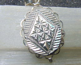31x21 Crafted solid silver pendent 13.25cts