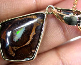 BEAUTIFUL MULTI FIRE BOULDER OPAL PENDANT 8 CTS SCA130