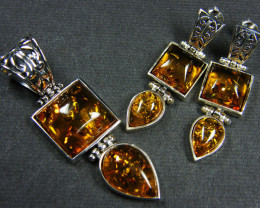 BALTIC AMBER SILVER PENDANT AND EARRING TCW 66.8 MYG309