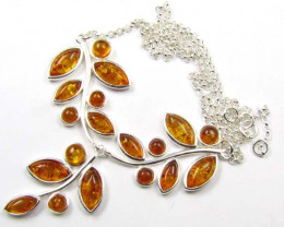 BALTIC AMBER TRI LEAF NECKLACE 38 CM LENGTH MYG 834