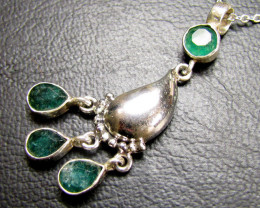MOZAMBIQUE CLUSTER EMERALD SILVER PENDANT RT 186