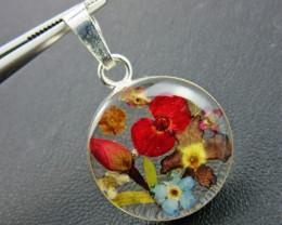 Amazing natural miniature flower in pendnat GTJA 147