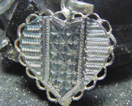 28x28 Crafted solid  silver pendent 19.00cts