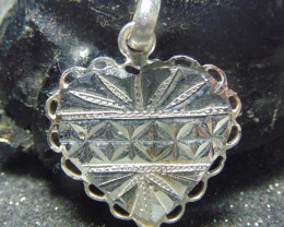 26x26 Crafted solid  silver pendent 16.65cts