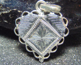 26x26 Crafted solid  silver pendent 13.50cts