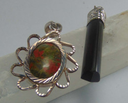Beautiful mix colos pendent 62.25 cts