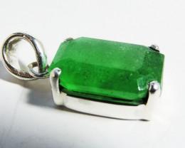 Emerald Like Gemstone in Silver Pendant JGG 138