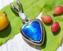 Cute Doublet Opal set in Silver Pendant SU612