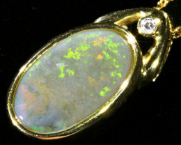Fire Opal set in 18k Gold Pendant CF 1073
