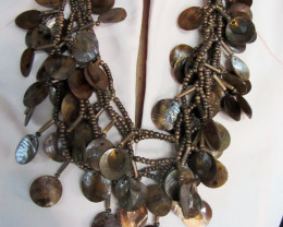 EARTHLY HUES PEARL SHELL STYLE NECKLACE QT194