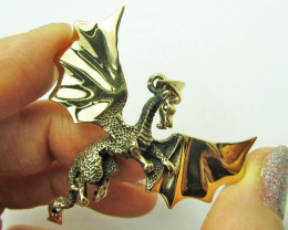 LEGENDS OF THE DRAGON PENDANT QT 639