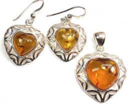 BALTIC AMBER EARRINGS AND PENDANT SILVER 42.35 CTS [SJ1430]