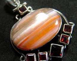 STUNNING AGATE PENDANT 70.00 CTS [GT811 ]