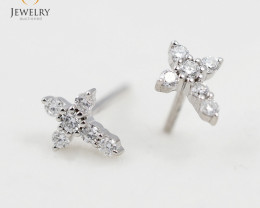 18 K White Gold Diamond earrings  E11228